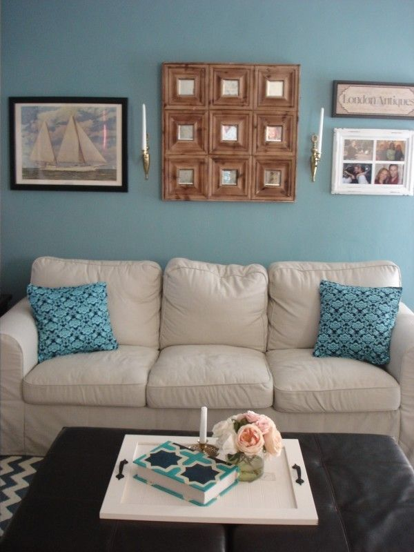 Benjamin Moore Williamsburg Wythe Blue Accent Wall In