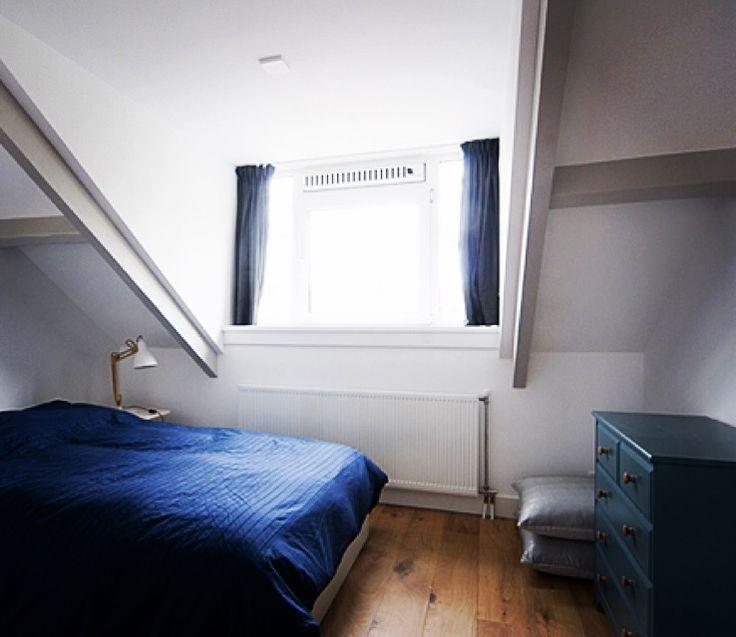 Slaapkamer oude balken in kleur