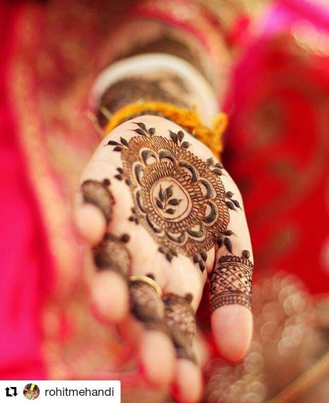 #follow@hennafamily #hennafamily #Repost @rohitmehandi  Mandala design. #bengali #bride #wedding #punjabiwedding #weddingphotography #instagram #sabyasachi #sabyasachibride #weddingsutra #goodevening