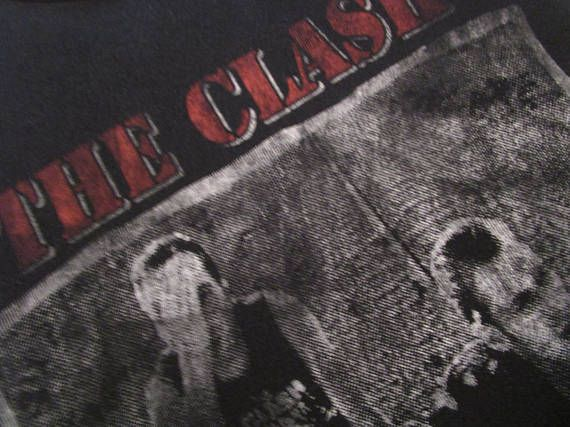 The Clash Shirt. Vintage T-shirt. Graphic Tee. 80's Band Tee. Top. Combat Rock Album 1982. British Punk Rock Roots. Rare Urban Streetwear.