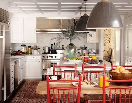 Vibrant chair colorDining Room, House Beautiful, Kitchens Chairs, Dreams Kitchens, Lights Fixtures, Colors, Red Chairs, Oriental Rugs, White Kitchens