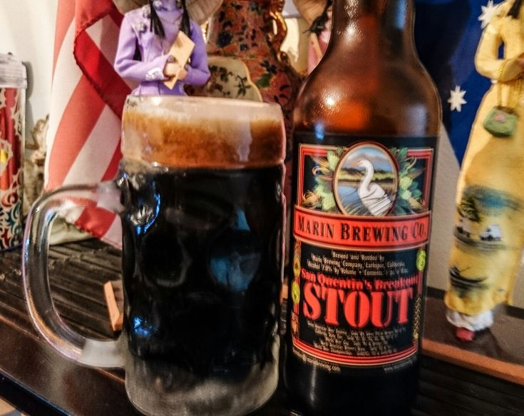 San Quentin's Breakout Stout, 7%. Marin Brewing Co, Larkspur California. These beers recently arrived in Australia, & it seems to have won a few awards over the years. It has a pleasant taste, & I reckon it would be great on tap 😀