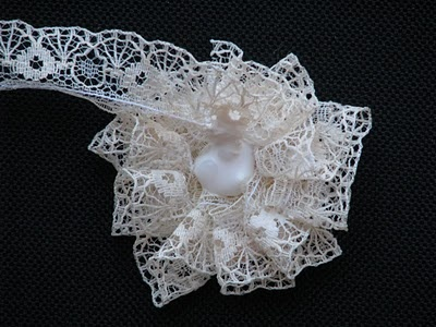 No sew lace flower