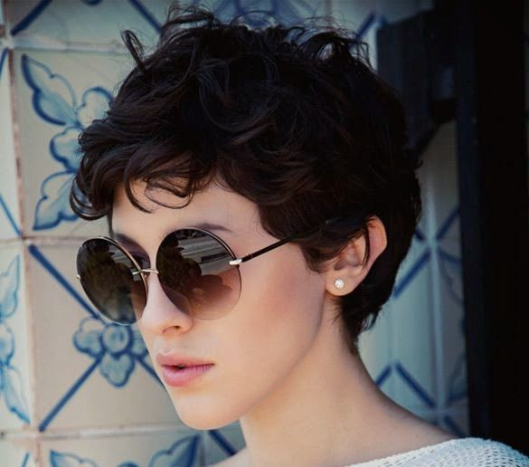 The truth is that if you like short and curly hair, it is difficult to find beautiful hair suggestions online... But not any more! We...