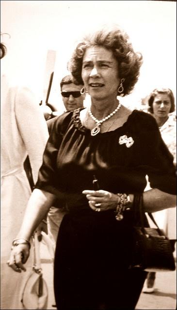 La princesse Frédérique de Hanovre (reine des Hellènes de 1947 à 1964). # Greek monarchy # Hanovrian monarchy
