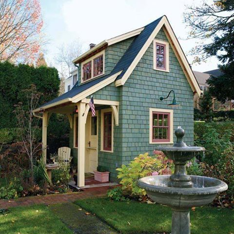 Tiny cute house tings pinterest for Cute little homes