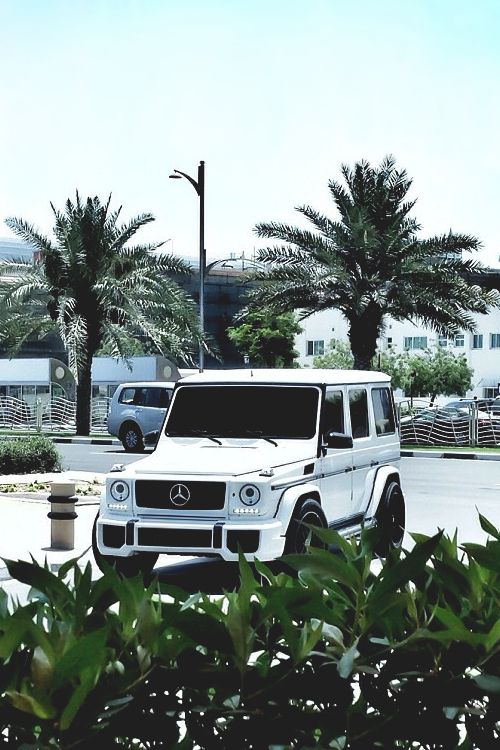 G-Wagon the best things come to me effortlessly.