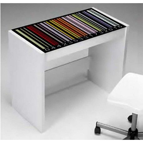 Diferente Mesa de Estudio en color blanco con bonito dibujo superior de unos códigos de barra en diferentes colores cubierto por cristal templado 8mm y fabricada en madera atamborada.