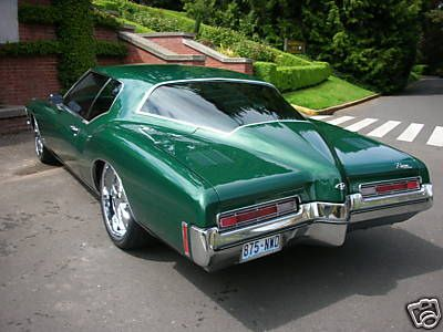 1972 - Buick Riviera Boattail - Green - Hot & Lowered Love the color!
