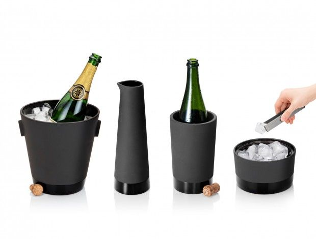 Karafka do wina - Black Terracotta - MAGISSO - DECO Salon. Carafe Wine. The line of bar accessories and containers of this line is made of black tiles.  #giftidea #kitchenaccessories #design