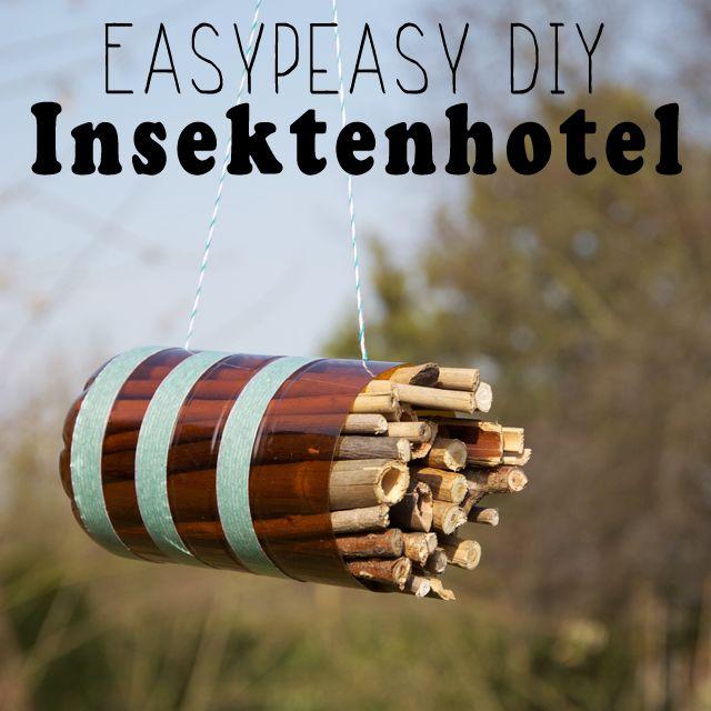 Insektenhotel zum Selberbauen - tolle Anleitung! Ein Tipp von mir: Damit die Insekten wirklich nisten, müssen die hohlen Stängel am Ende ganz glatt sein. An besten noch mal kurz anschleifen mit Sandpapier oder einen kleinen Feile...