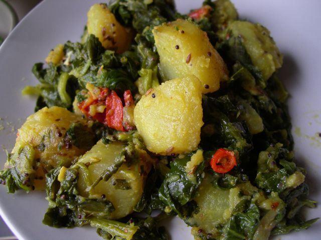Spinach & Potato (Saag Aloo) | Food: Veggies | Pinterest