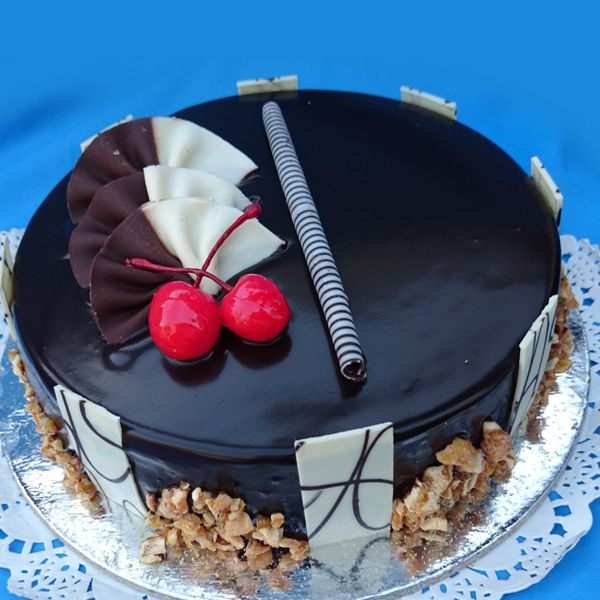 #cakes #birthdaycakes #photocakes #Chennai Order Cake Online Chennai. Cake Shop Chennai, Send Cake To Chennai, Midnight Cake Delivery, Wedding & Birthday Cake Delivery, Free Home Delivery Cakes on same day.
