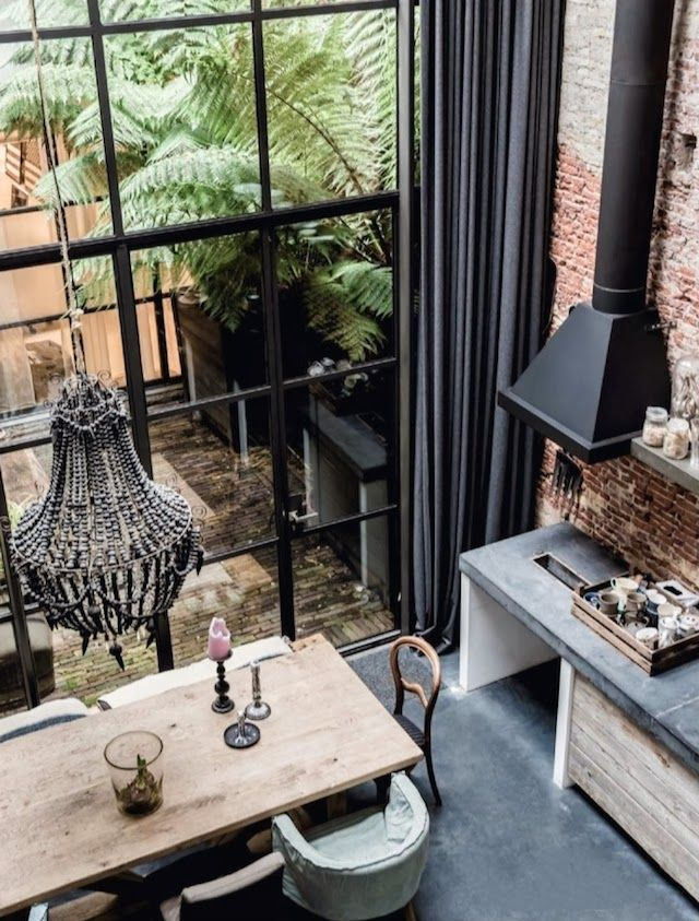 TREND - VINTAGE GARDEN House Tour | A converted warehouse in Amsterdam