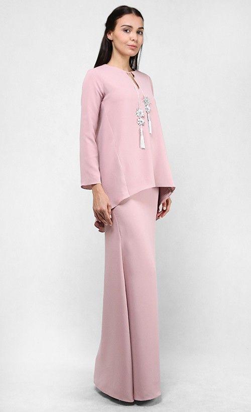 Baju Kurung : Sieena Loose Modern Kurung Kedah Set in Dusty Pink | FashionValet