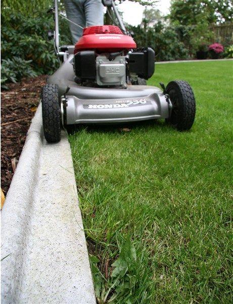 Prisvärd, snygg och hållbar avgränsning mellan grus och gräs