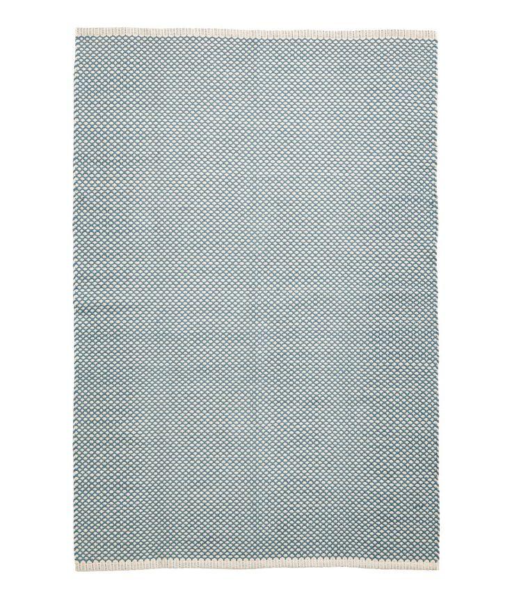 Kolla in det här! En matta i bomullskvalitet med jacquardvävt mönster. - Besök hm.com för ännu fler favoriter.