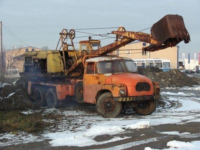 Tatra T138 6x6 lanový bagr