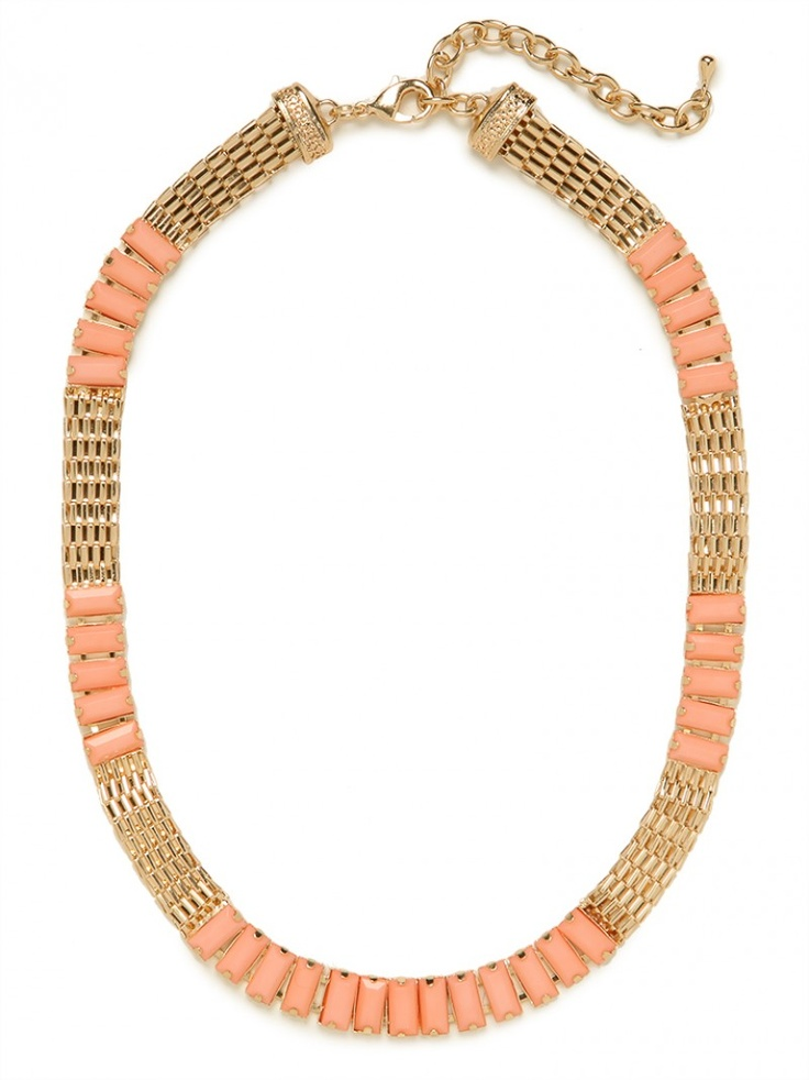 our peach min strand! pair it with a chunky necklace for a bold silhouette!