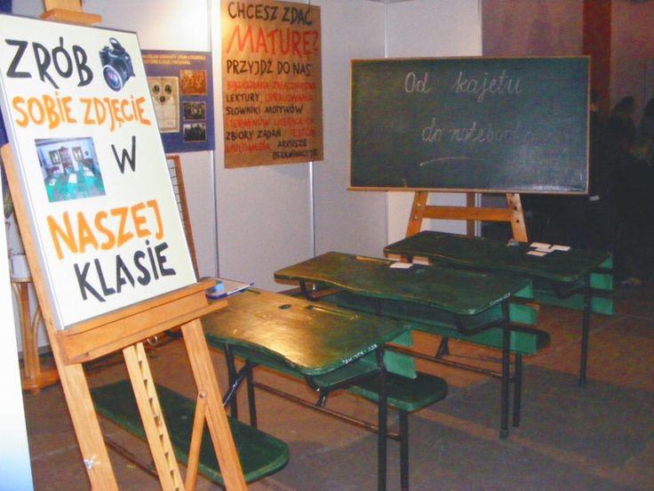 Obraz z http://e-pedagogiczna.edu.pl/upload/image/aktualnosci/lodz11/targi-edukacyjne-11-14-02-2009_520a.JPG.