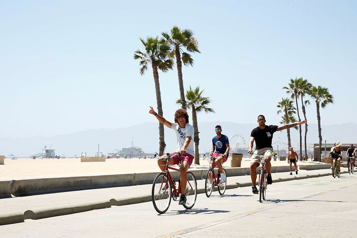 David Luiz and Javier Pastore wearing our Frescobol swim short in L.A ! #psg #swimshort