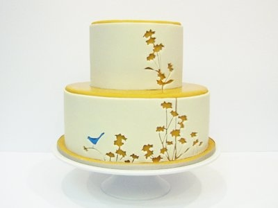 This WILL BE my wedding cake (minus the bird) I am in LOVE! This is from the Crazy Cake Company. Which is no longer in buisness :(