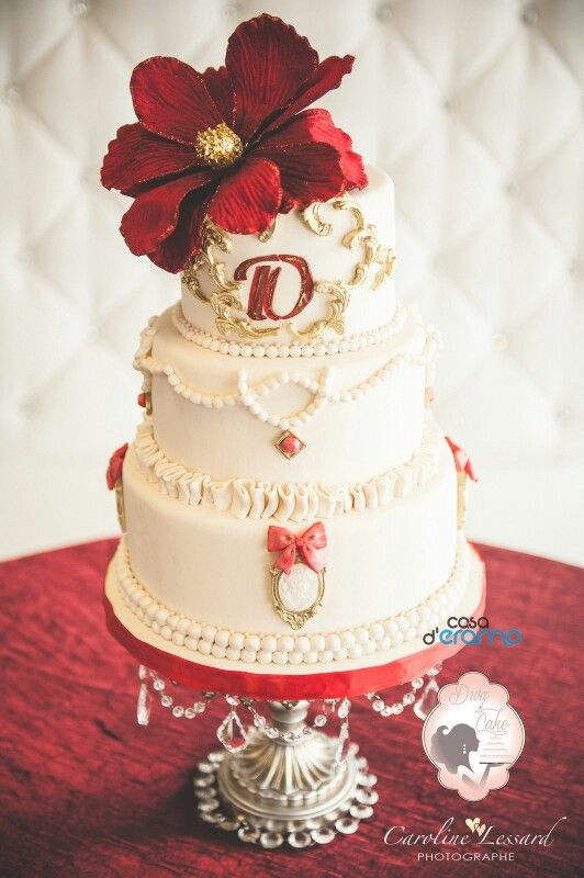 Ivory Red And Gold Cameo Wedding Cake Red And Gold Wine Themed