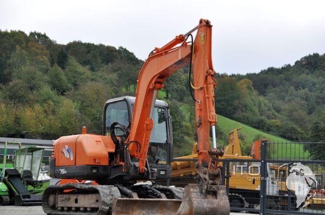 Mini excavadora de segunda mano Daewoo Doosan SL75V de 8 toneladas aproximadamente.  Puede apreciar el estado de la máquina en las fotos que hemos subido en nuestra web: http://www.ito-germany.de/daewoo-doosan-sl75v-bagger#photos  #Daewoo #Doosan #SL75V #Miniexcavadora #excavadora #maquimariadeconstruccion #maquinariadesegundamano #maquinariadeocasion