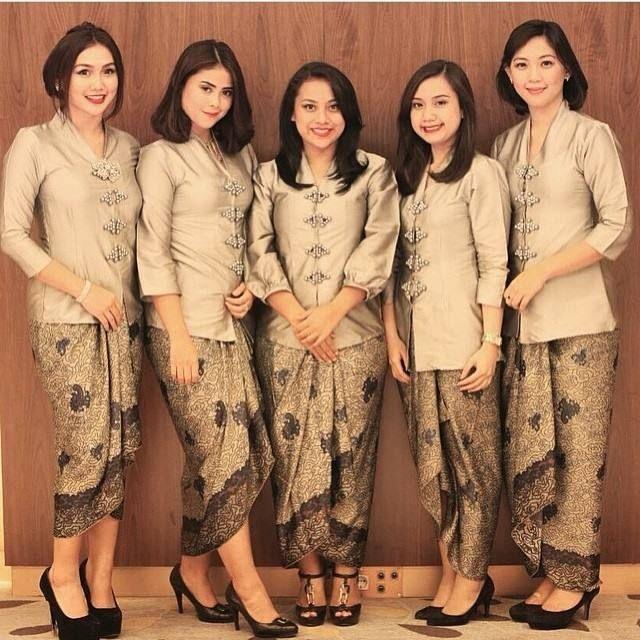 Inspirasi+Kebaya+Batik+Indonesia9.jpg (640×640)