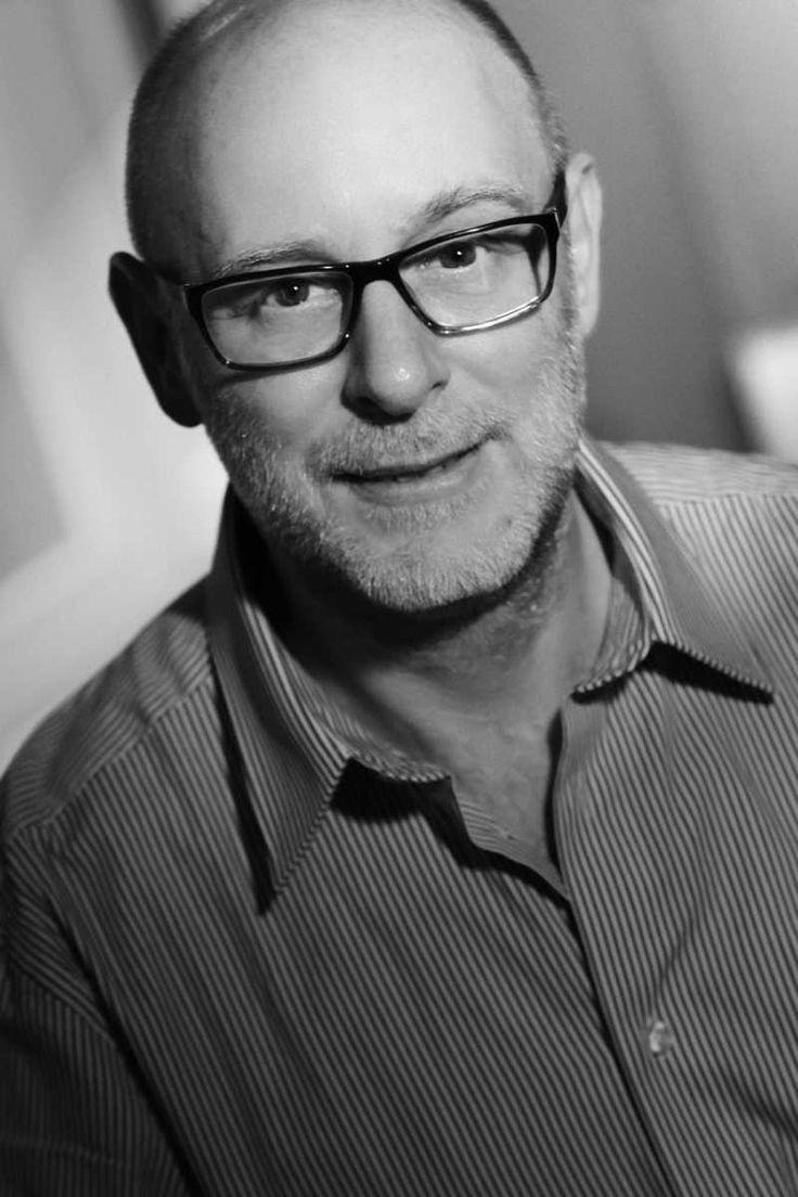 """Das Interview mit Jean Renard – dem """"Korsen"""", der mit biblischer Wucht seine Stories entwickelt http://www.krimi-tick.de/2016/04/04/das-interview-mit-jean-renard-dem-korsen-der-mit-biblischer-wucht-seine-stories-entwickelt/"""