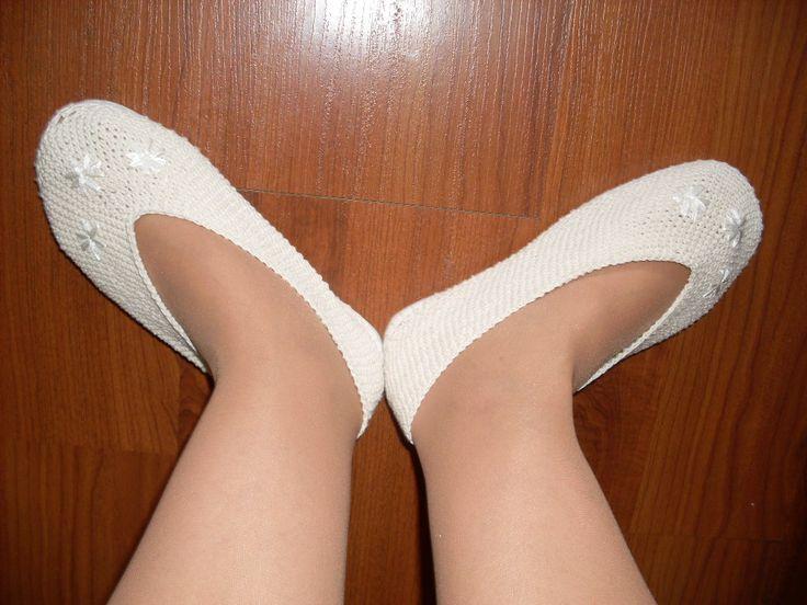 zapatos color crudo (hilo algodón), nro 35. $9.000.-