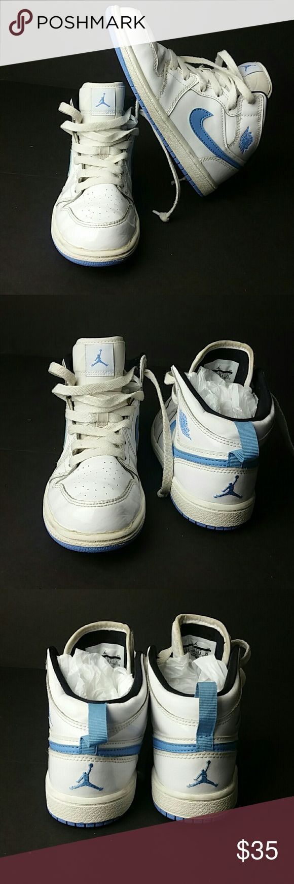 AIR JORDAN 1 MID YOUTH SHOES IN GOOD CONDITION   YOUTH SIZE 2Y BIG KIDS   SKE # UP Air Jordan Shoes Sneakers