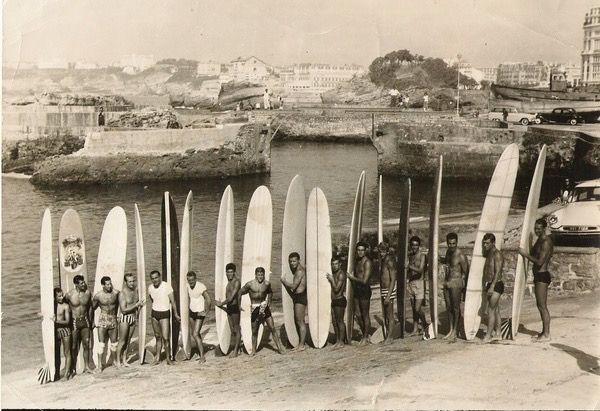 Surfeurs au Port des pêcheurs de Biarritz  - New-York Surf TV…