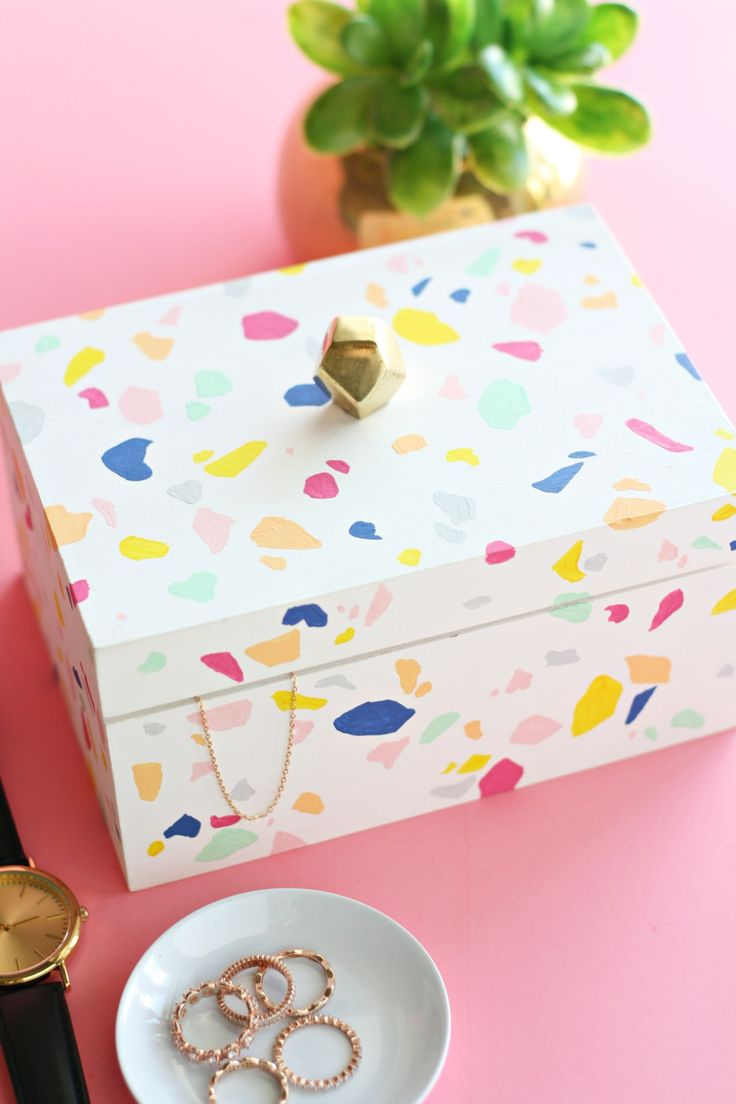 DIY Faux Terrazzo Jewelry Box – The Pretty Life Girls   – | DIY | TERRAZZO ▷