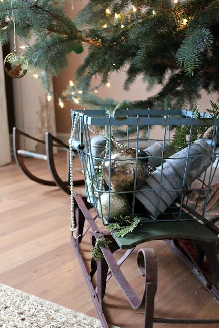 25 best images about antique sled decorating on pinterest for Antique sled decoration