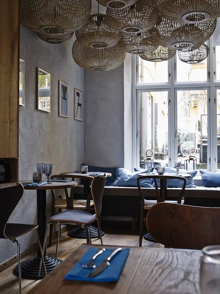 Michelin-starred Henrik Yde turns his talents to the humble burger in Copenhagen... http://www.we-heart.com/2015/01/23/burger-and-bun-copenhagen/