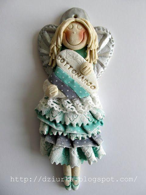 anioł  z masy solnej, materiału i koronki