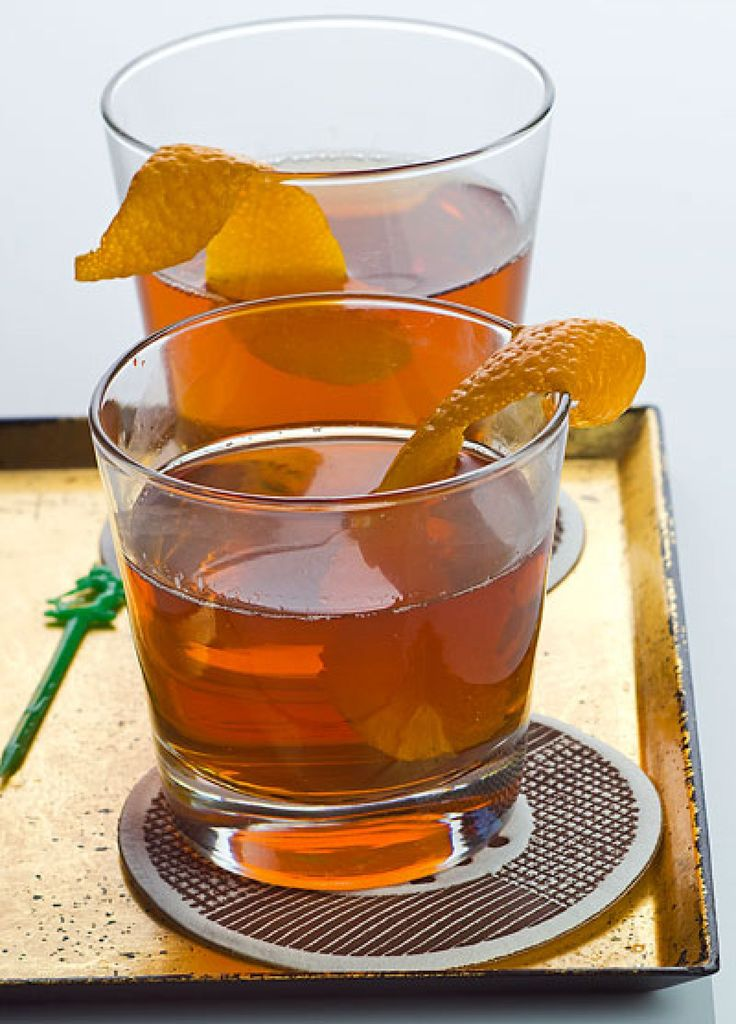 Al Capone | 1 1⁄2 oz rye whiskey, 3/4 oz sweet vermouth, 1/4 oz Campari, orange zest, to garnish. In a cocktail shaker filled with ice, shake the whiskey, vermouth, and Campari. Strain the mixture into a tumbler, and garnish