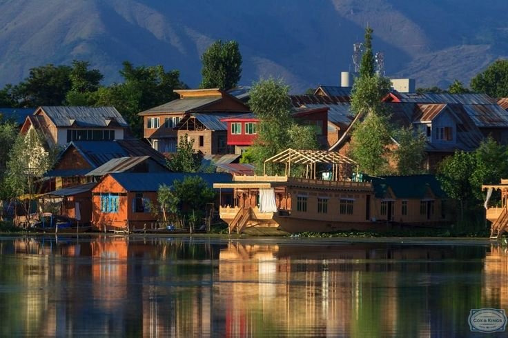 Waterfront homes in Kashmir