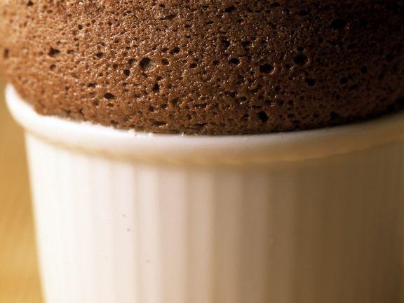 Schokoladensouffle ist ein Rezept mit frischen Zutaten aus der Kategorie Backen. Probieren Sie dieses und weitere Rezepte von EAT SMARTER!