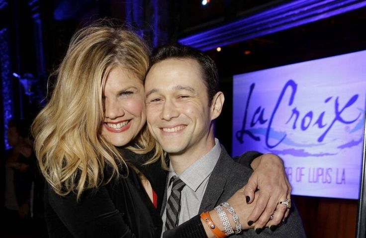 I had the opportunity to interview actor/writer/artist Kristen Johnston for The Fix.