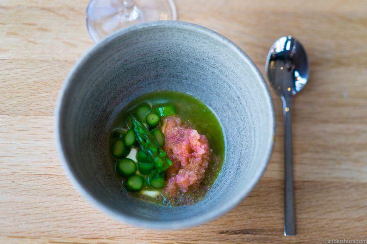 Lumpfish roe, green asparagus, sour cream & asparagus juice