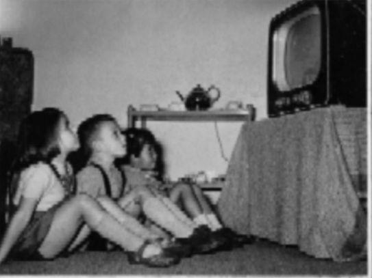 TV kijken bij de buren op woensdagmiddag