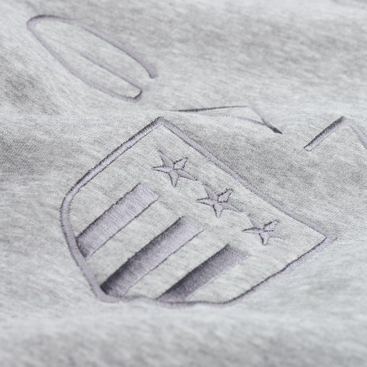 GANT - Shield Crewneck Sweatshirt Grey Melange för Dam | Officiell Sida