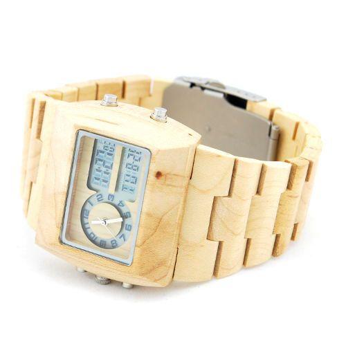 Ons houten horloge Badui is een zeer stijlvol model. De combinatie van maple hout met de digitale tijdweergave maakt het geheel tot een natuurlijk en toch ook modern klokje. Een ideale mix voor een uniek horloge!     http://www.looyenwood.nl/product/houten-horloge-badui/