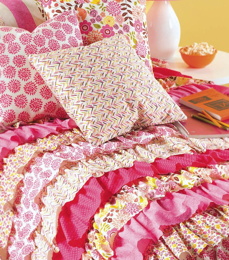 DIY Ruffled Duvet Cover | FREE Ruffle Duvet Cover Pattern from @joannstores