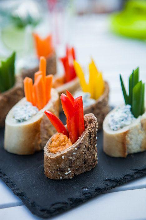 Jestli je jediné jídlo, které vám po grilování občas zbyde, zpravidla salát, tentokrát ho vynechte a propašujte trochu zeleniny alespoň do předkrmu!