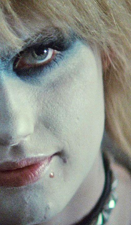 Daryl Hannah as Pris.