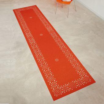 Arzu Firuz Vloerkleed Rima de tapijten uit de 'red carpet collection' van arzu firuz zijn gemaakt van vinyl en daardoor zeer geschikt voor binnenruimtes waar veel wordt gelopen. de heldere kleuren van deze tapijten maken ze de ideale decoratieve vloerbedekking voor ruimtes met een egale kleur vloer. € 459.00
