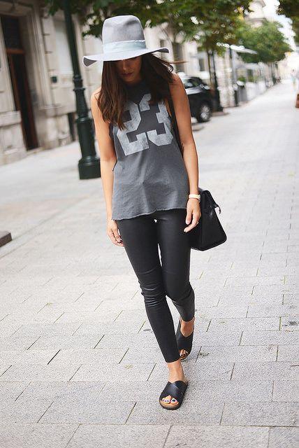 Camiseta/Shirt: Zara (sales) Pantalones de piel/Leather pants: Zara (new season) Gorro/Hat: Zara (ss 14) Bolso/Bag: Zara (au-w 13/14) Sandalias/ Ugly shoes: MaryPaz Reloj/Watch: Marea